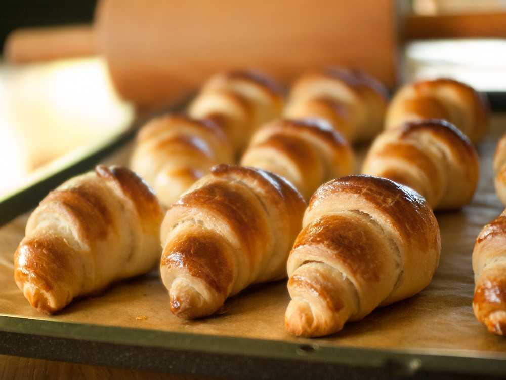 Nybakade croissanter
