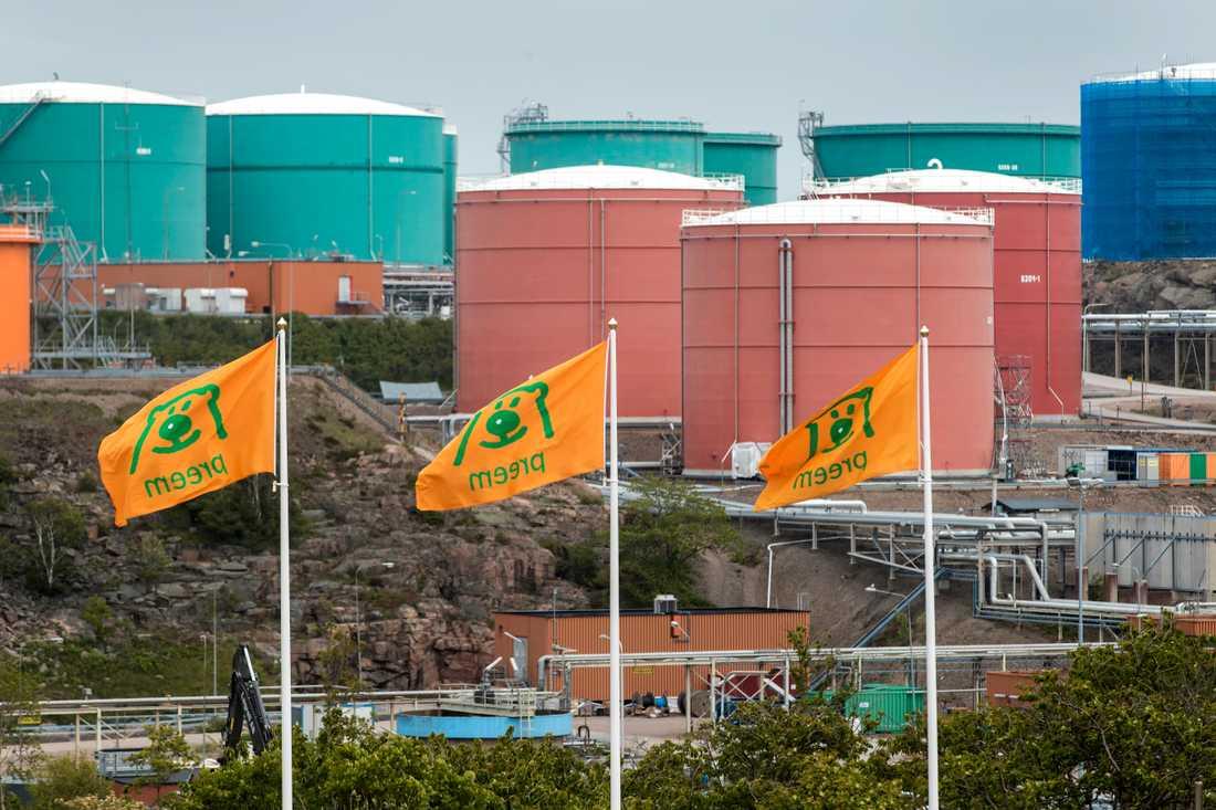Preem utökar produktionen av förnybar diesel. På bilden oljeraffinaderiet i Lysekil. Arkivbild.