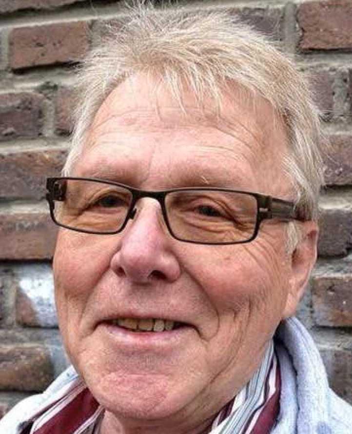 Mats Eriksson, 70, låg och sov när en granne ringde och berättade om evakueringen.