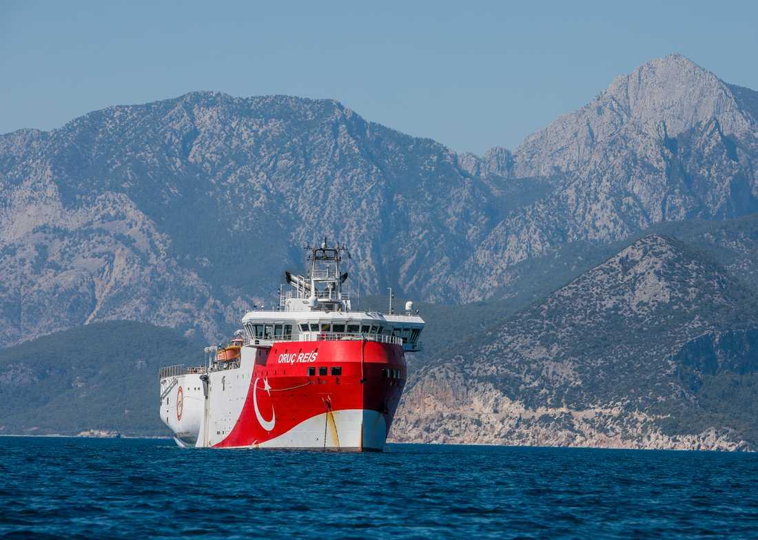 Det turkiska fartyget Oruc Reis söker efter olje- och gasfyndigheter i östra Medelhavet. Arkivbild.