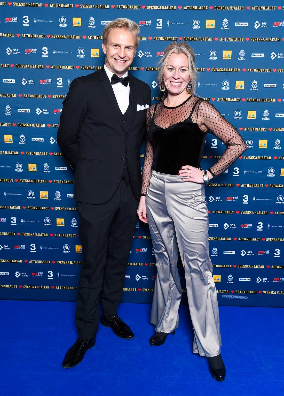 Programledarna Janne Grönroos och Maria Bjaring.