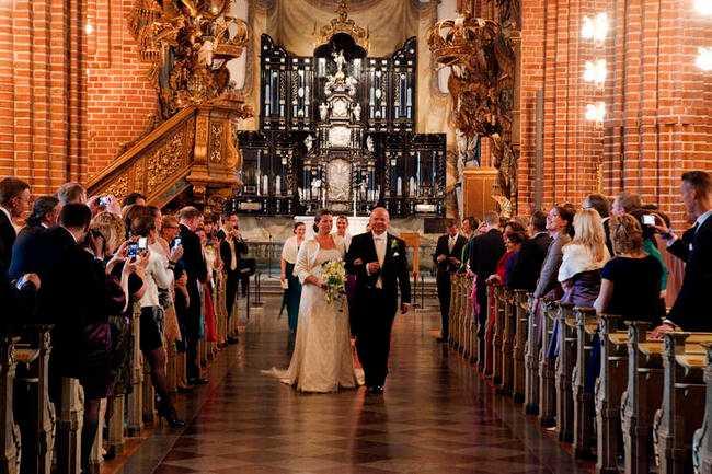 Pompa och ståt  Paret och kollegorna Susanne Adlercreutz och Eskil Erlandsson gifte sig i Storkyrkan i Stockholm lördagen den 5 maj.