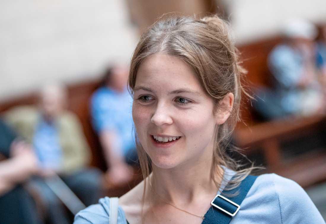 Väljaren Mette Schou säger till TT att hon tycker sig se ett ökat politiskt engagemang bland unga – fler följer med, fler tar ställning och fler kräver handling. För henne var klimatfrågan viktigast.