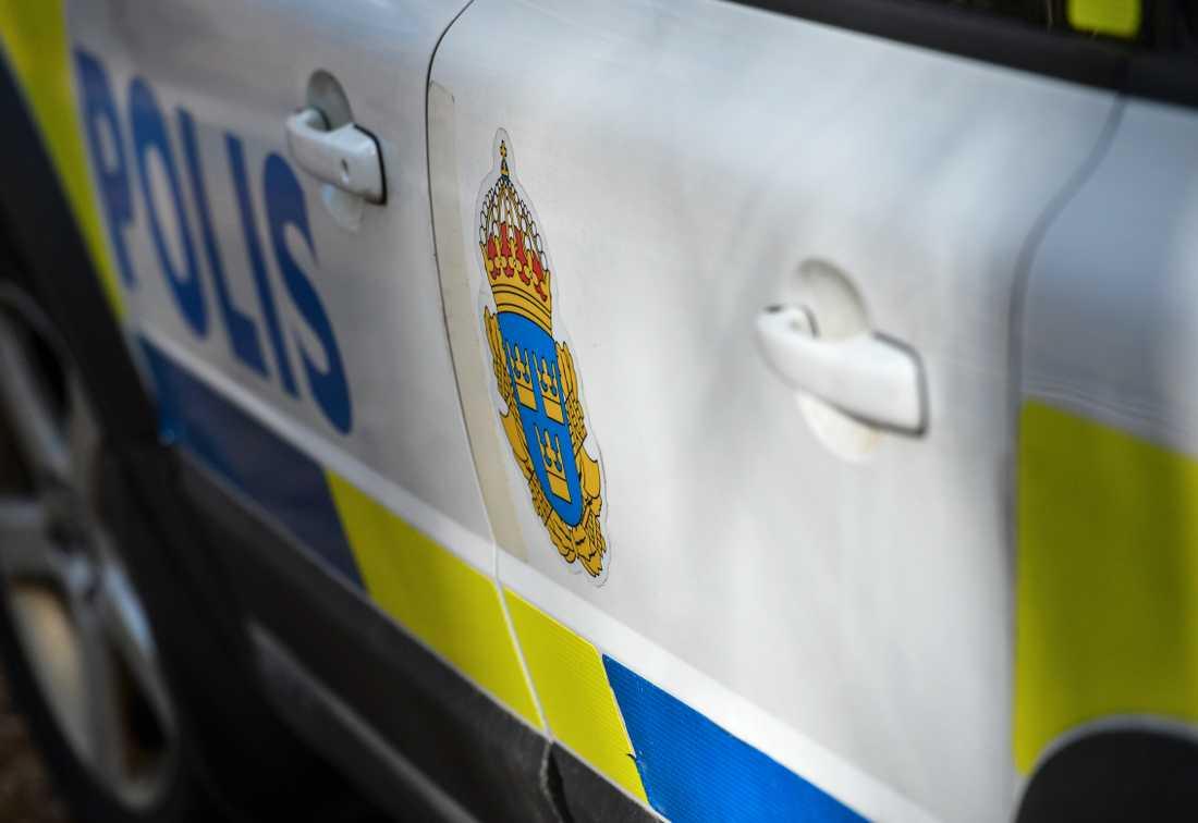Polis, räddningstjänst och dykare från försvaret sökte efter mannen. Arkivbild.