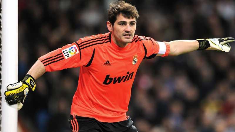 Iker Casillas stannar i Real Madrid.