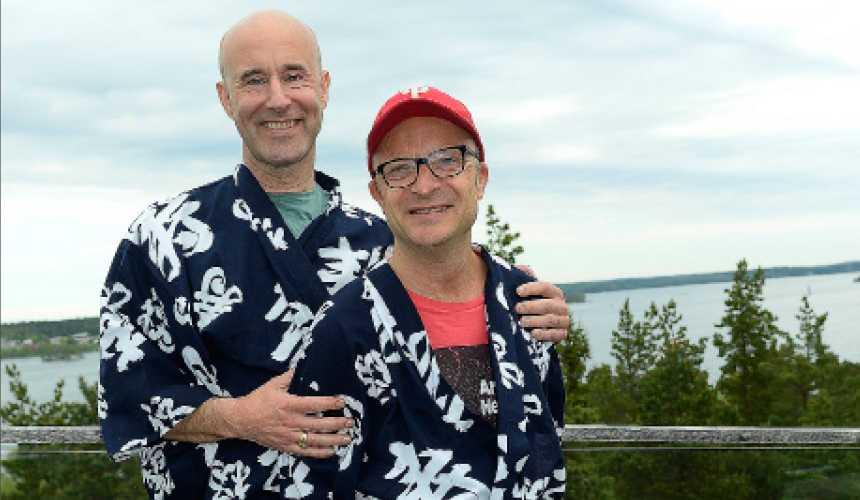 Stjärnpappor Mark Levengood och Jonas Gardell är ett av landets mest kända stjärnföräldrapar. Juridiken är fortfarande anpassad efter kärnfamiljen. Det är dags att den ändras efter dagens verklighet.