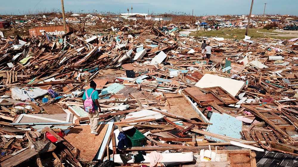 """I området """"The Mudd"""" på Great Abaco, Bahamas, bodde många migranter från Haiti. Bostäderna totalförstördes på några timmar."""