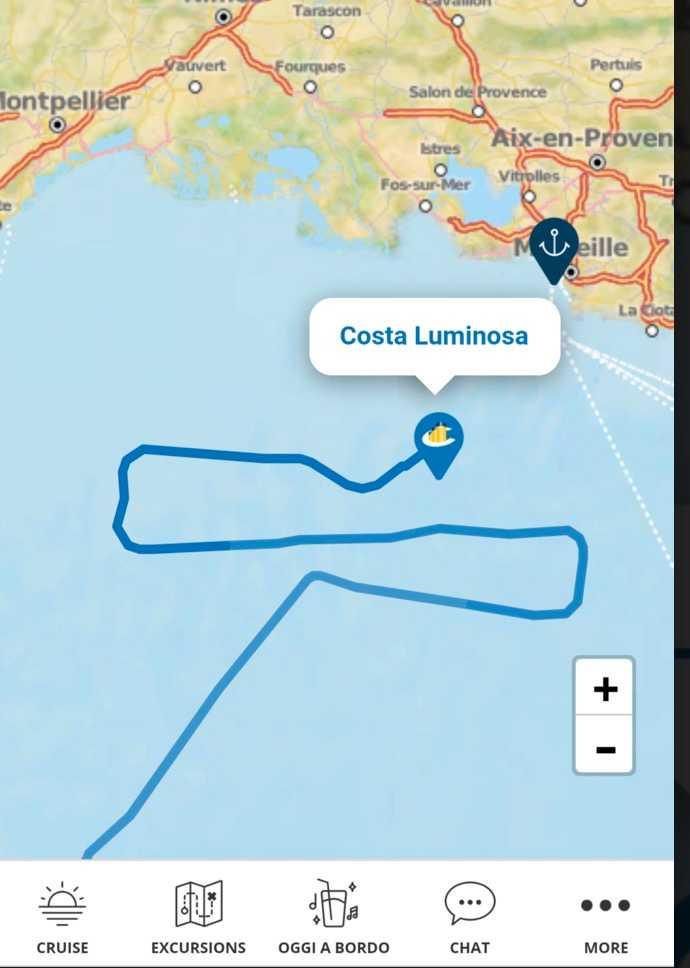 Fartyget Costa Luminosa har under natten till torsdagen kryssat utanför Frankrikes kust i hopp om att gå lägga till i hamnen i Marseille.