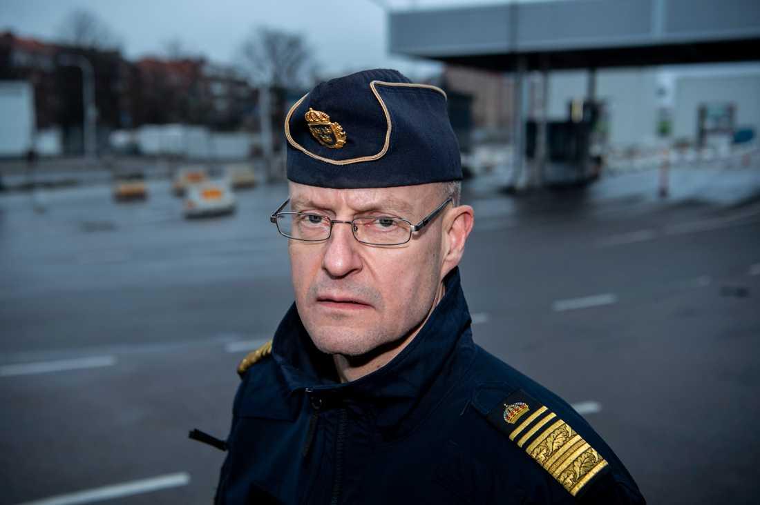 """""""Här bygger vi väldigt mycket kunskap, underrättelse, för att vi ska kunna stoppa de här människorna från att ens komma in i Sverige. Det är vårt mål"""", säger Mats Löfving, chef för polisens Nationella operativa avdelning."""