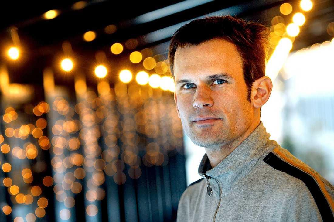 Stefan Holm fick Jerringpriset 2004 – och riktade då ett särskilt tack till Viljo Nousiainen. I går eftermiddag fick han för första gången höra om anklagelserna mot sin före detta hjälptränare. De kom som en chock.