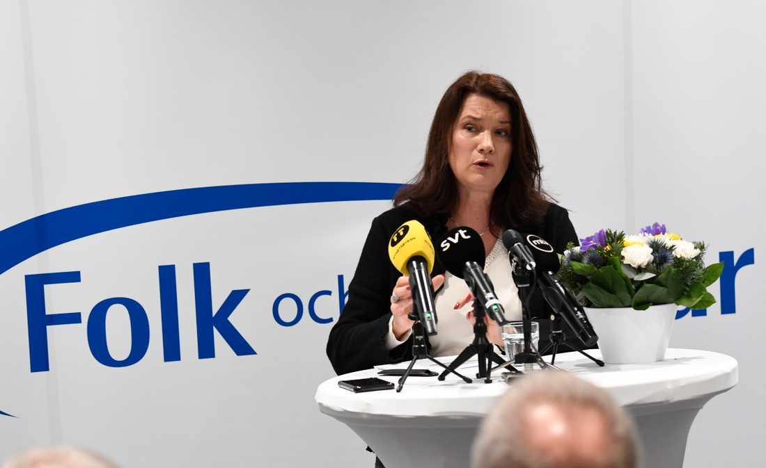 Utrikesminister Ann Linde (S) talar på Folk och försvar.