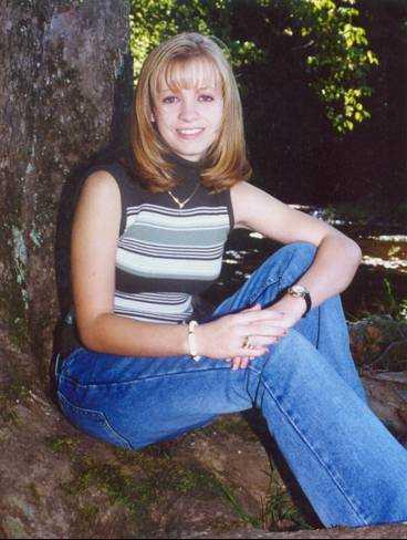 Jessica Lynch är en av de soldater som saknas efter att en underhållsbataljon utsattes för ett bakhåll i södra Irak.