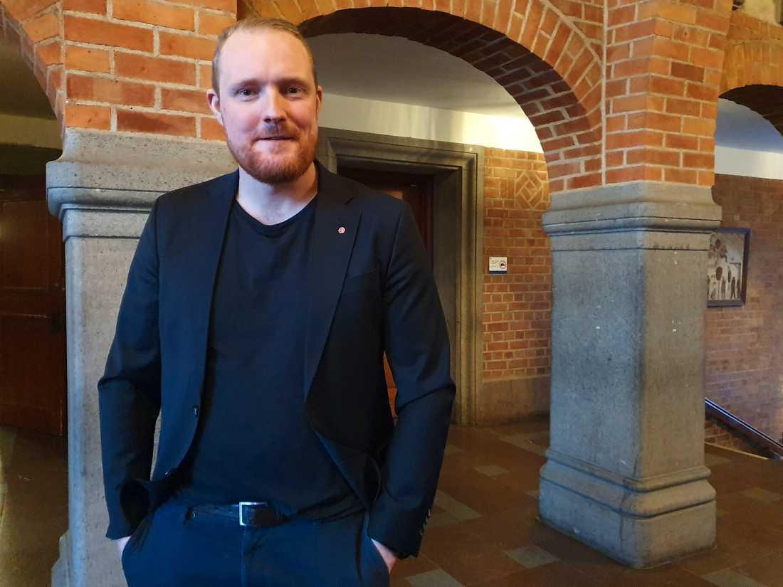 Oppositionsrådet Niklas Daoson (S) i Östersunds rådhus.