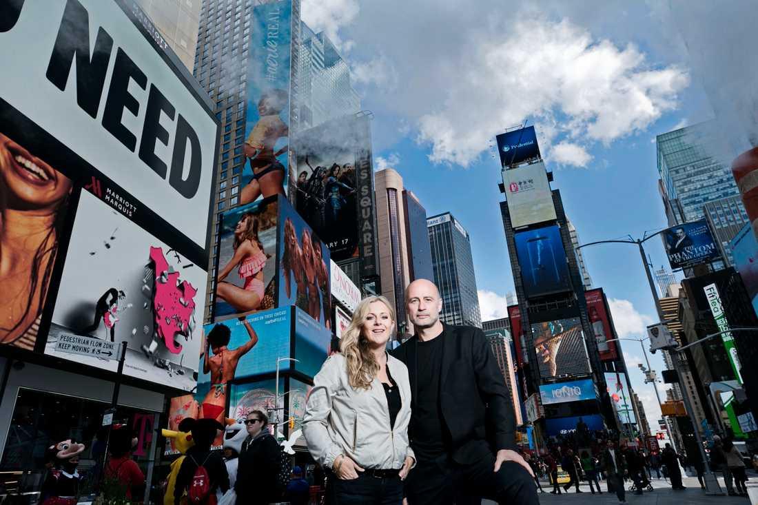 """Gunilla Backman i New York, ihop med Per Graffman och pjäsen """"Prima livs"""" författare Jordan Harrison."""