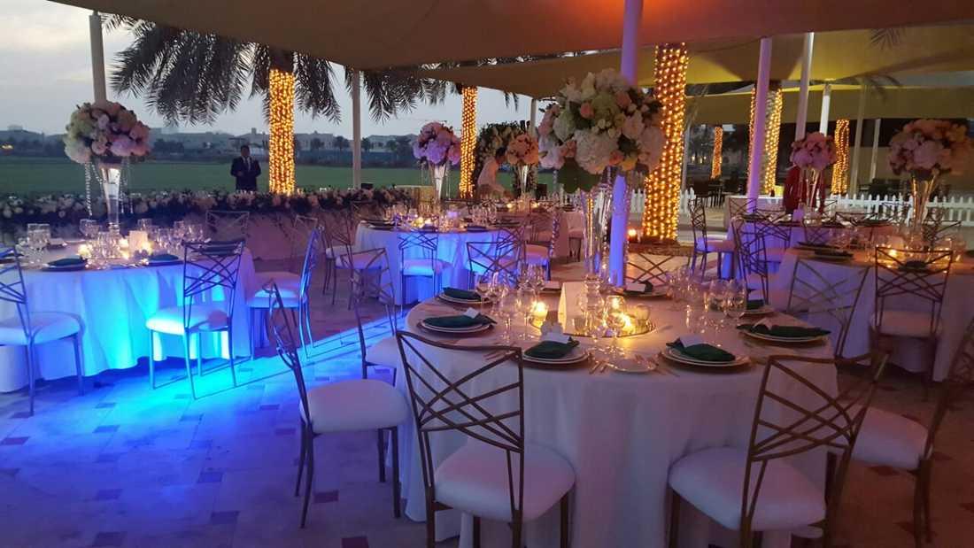 Bröllopsfesten hölls på exklusiva medlemsklubben Dubai Polo & Equestrian club.
