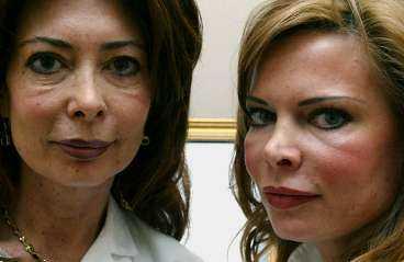 RYNKFRITT MED NERVGIFT Systrarna Anna Pettersson och Danielle Fa tror att Botox kommer att nå en stor, svensk medelklasspublik inom kort eftersom det är enkelt, har en omedelbar, vetenskapligt bevisad effekt. Med en hypertunn nål sprutas nervgiftet in i musklerna i ansiktet.   Det är över på en lunchrast och i vanliga fall syns inte ens ett märke efter injektionen, säger sjuksköterskan Danielle Fa.