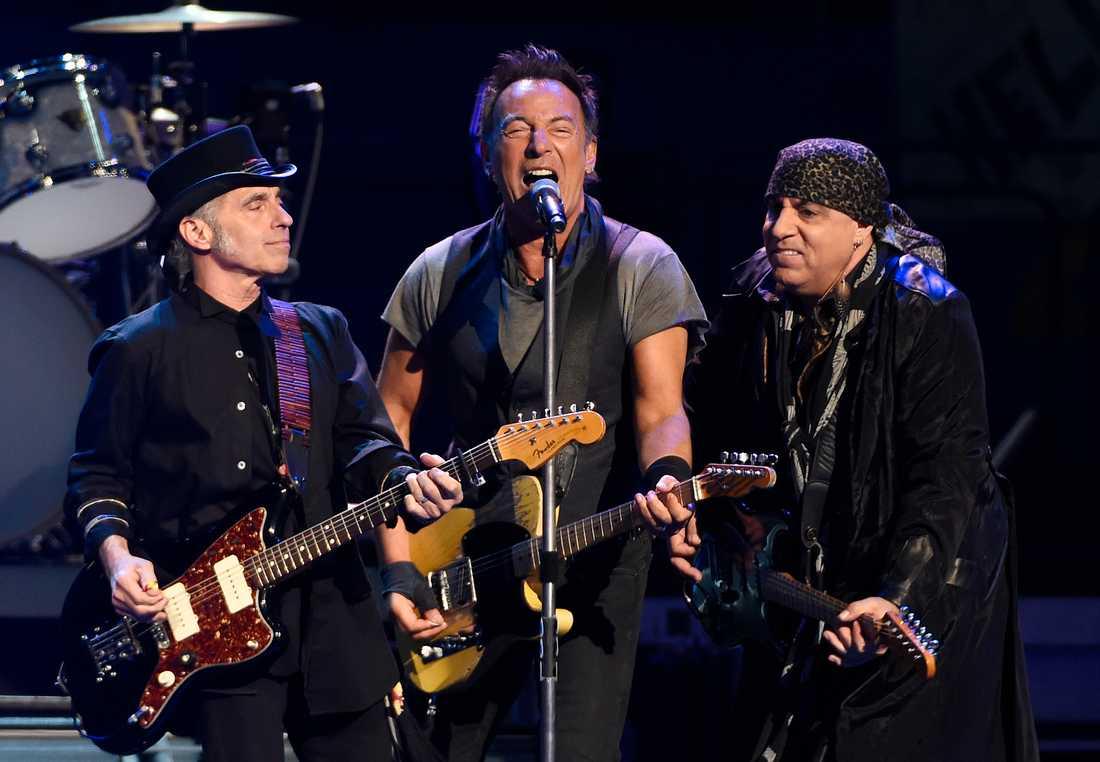 Nils Lofgren, Bruce Springsteen och Steven Van Zandt 2016.