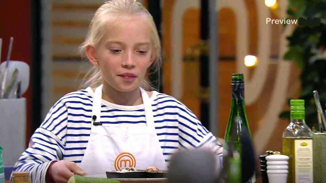 """Linda Lindorffs dotter Lykke i  """"Sveriges yngsta mästerkock""""."""
