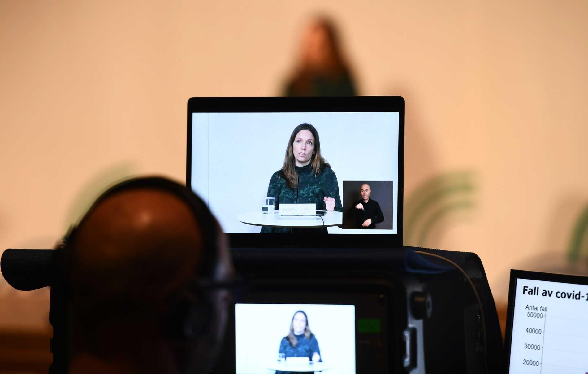 Sara Byfors, enhetschef vid Folkhälsomyndigheten, på tisdagens pressträff om coronapandemiläget.