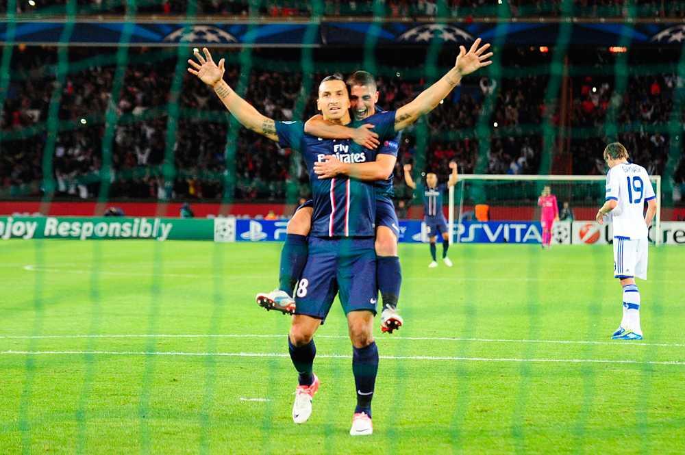 Zlatan fortsätter ösa in mål – nu i PSG. Här jublar han efter en fullträff mot Dynamo Kiev i Champions League i september 2012.