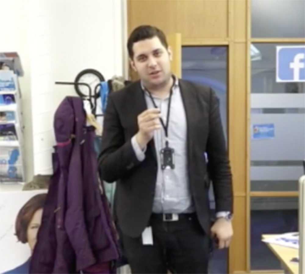 Delmon Haffo från videon där han kallar ministern Annika Strandhäll för hora.