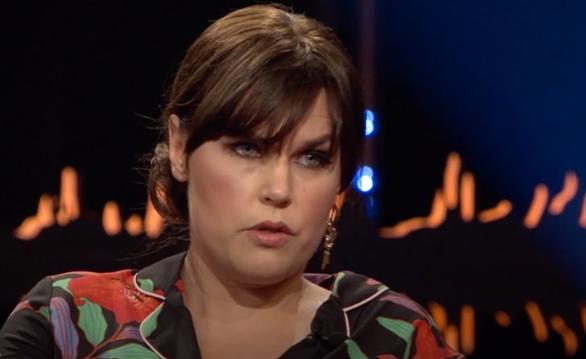 """I SVT:s """"Skavlan"""" pratar Mia Skäringer om breven och meddelanden hon får av människor som befinner sig i tuffa situationer."""