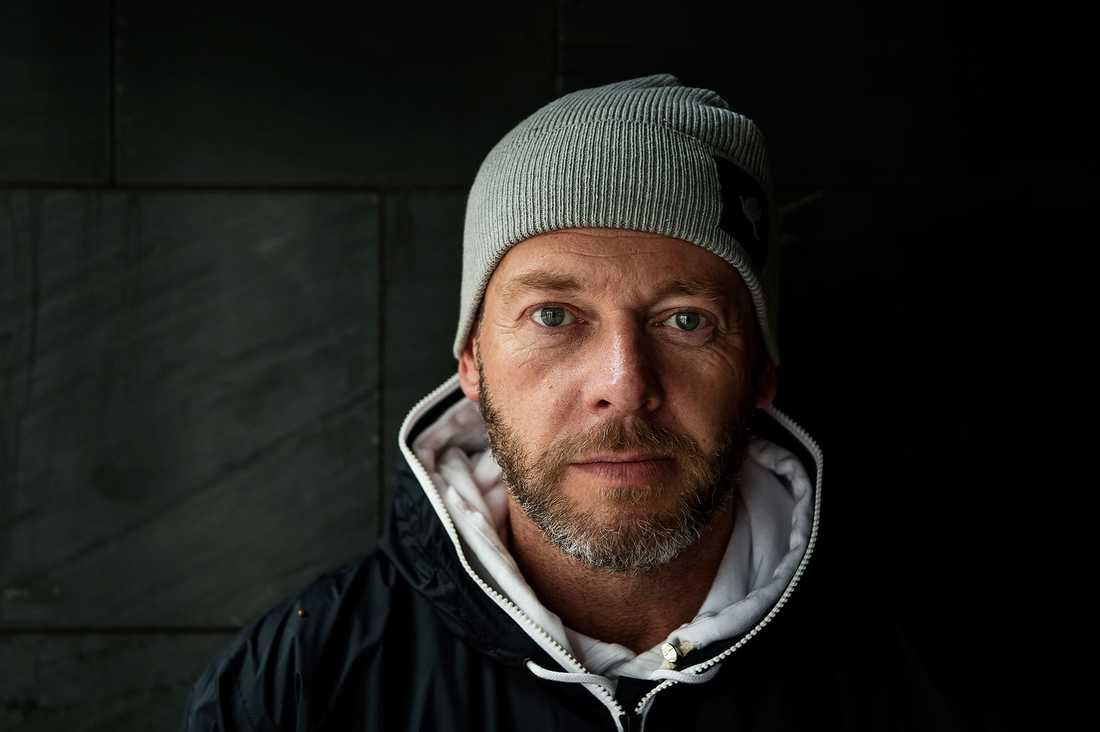 Johan Viktor dog i cancer.