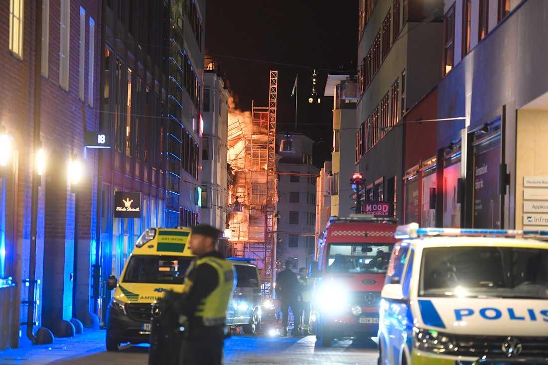 Brand i hus vid Jakobsbergsgatan.