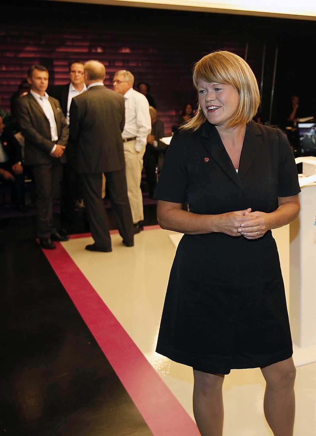 Ulla Andersson har gjort intresseanmälan för att ta över efter Lars Ohly som Vänsterpartiets ordförande.