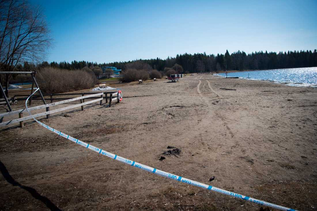 En våldtäkt misstänks ha skett i Nydalabadet i Umeå natten till onsdag.