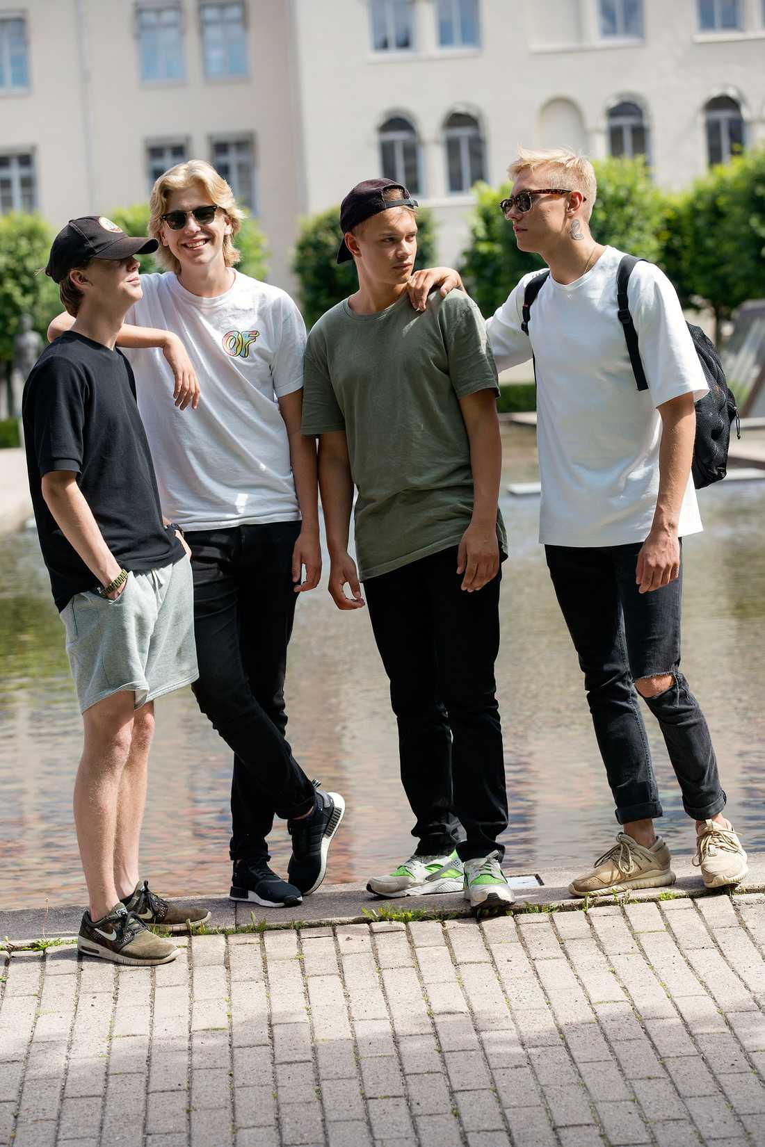 Hov1 utgörs av (från vänster) Axel Liljefors Jansson, Noel Flike, Ludwig Kronstrand och Dante Lindhe.