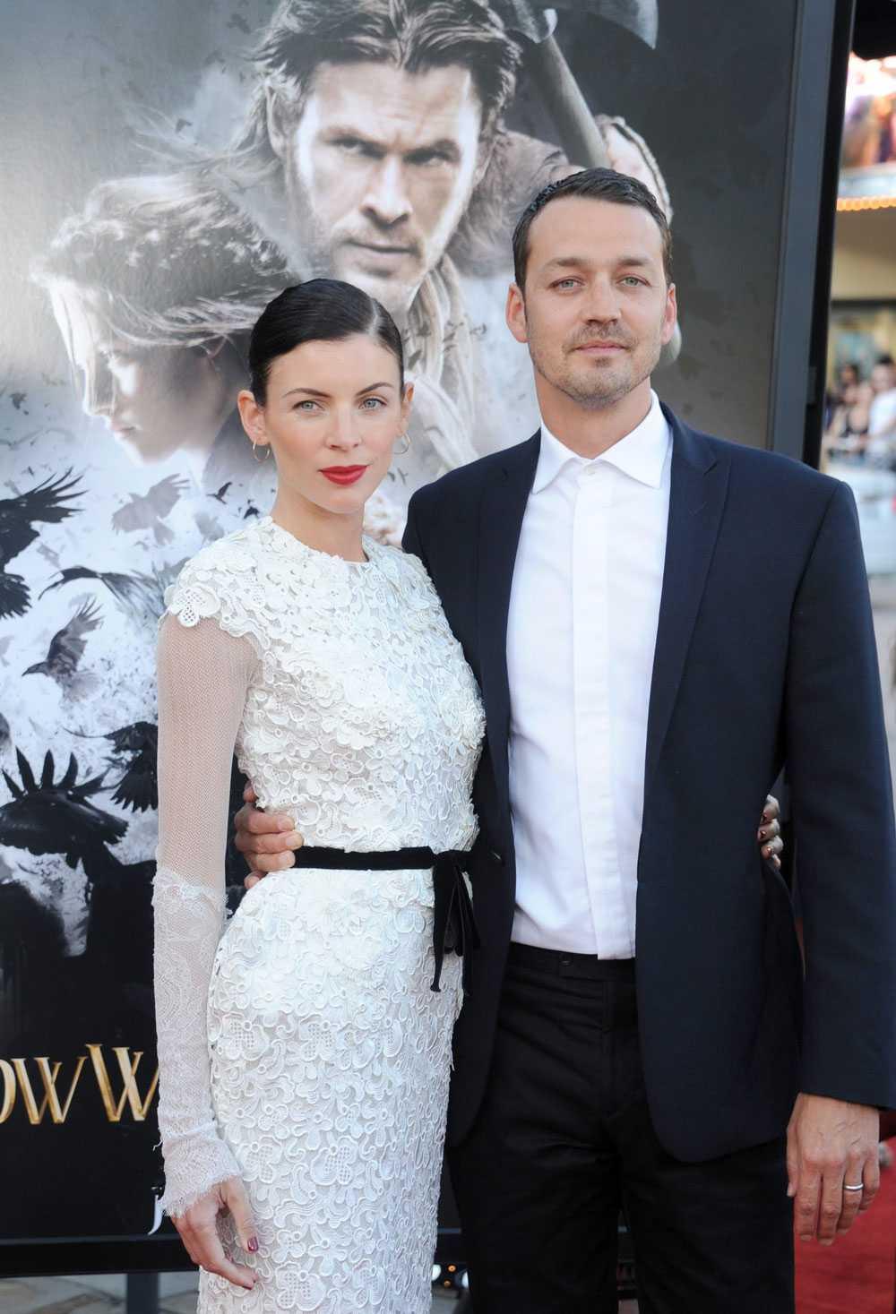 """Rupert Sanders och frun Liberty Ross, som spelar Snövits mamma i filmen, under Los Angeles-premiären av """"Snow white and the huntsman"""" 29 maj."""