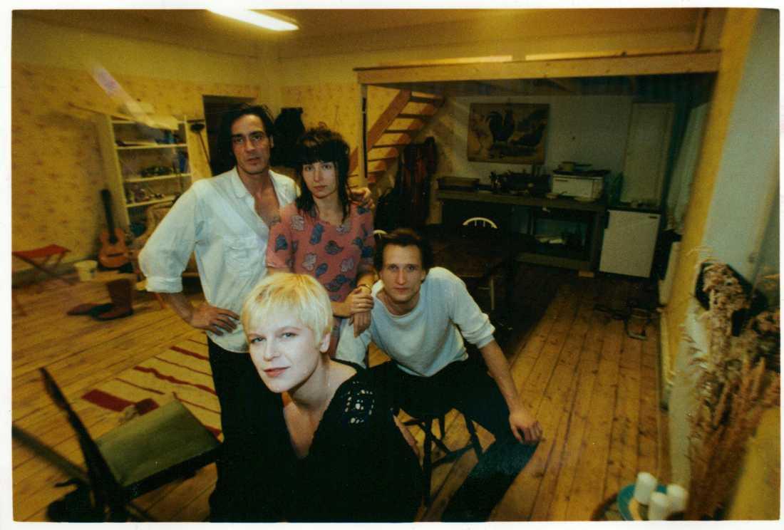 """Bengt Håkansson, Martina Uusma (numera Haag) och Fredrik Hammar, satte upp pjästen """"Träda"""" på Teaterhuset Luntan 1991. Närmast kameran pjäsförfattaren Kajsa Grytt."""