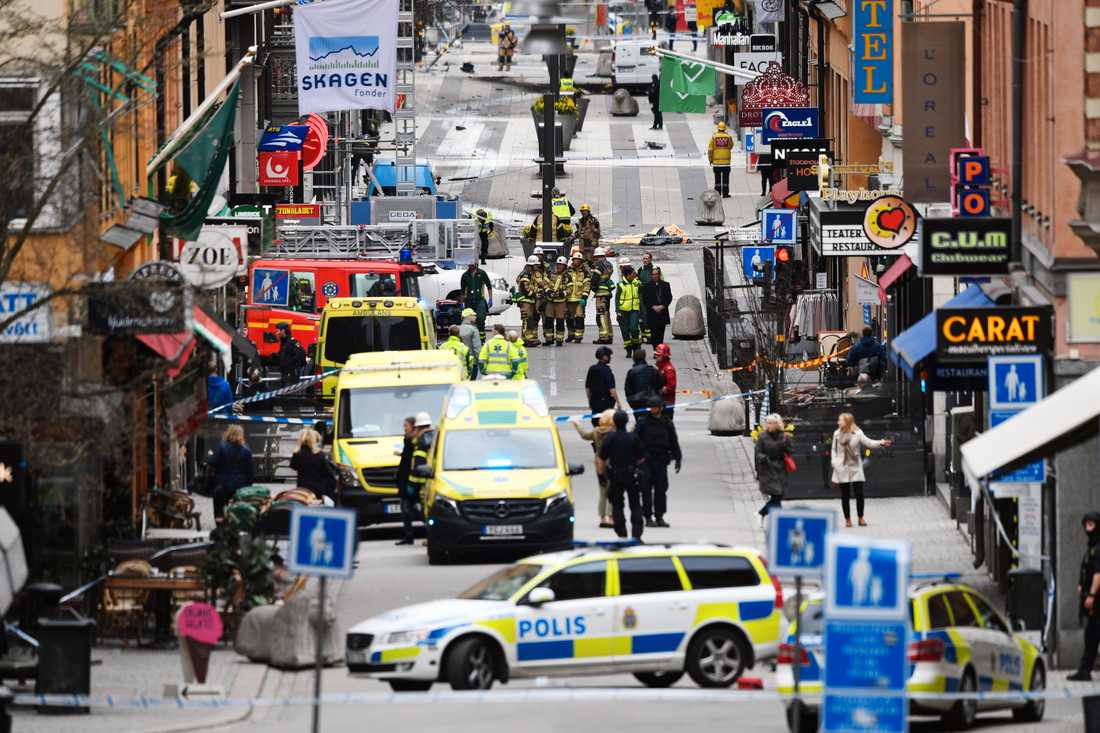 Den 26-årige mannen greps för inblandning i terrordådet på Drottninggatan.