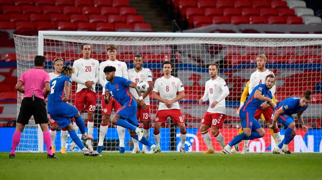 England, som här möter Danmark på Wembley, har bett regeringen att få spela på nationalarenan mot Island på onsdag. Arkivbild.