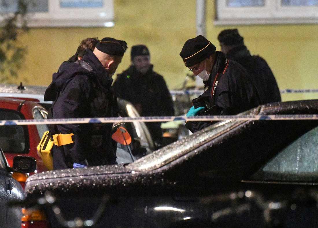 Under 2016 mördades 105 personer, enligt Aftonbladets genomgång. Det pekar på att den nedåtgående trenden börjar brytas – och att morden ökar för första gången på 25 år.