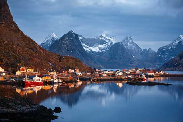 Lofoten är en av de ställen i Norge du kan besöka om du flygluffar i sommar.