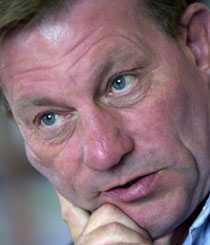 Hårda ord Jämställdhetsombudsmannen Claes Borgström är skarp i sin kritik mot svenskarnas sätt att tänka.