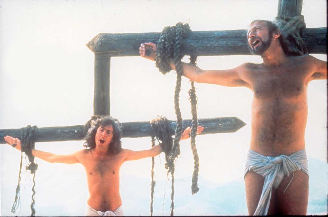 """Eric Idle och Graham Chapman ser livet från den ljusa sidan i Monty Python-filmen """"Life of Brian""""."""