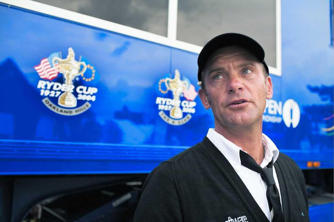 """PARADE IHOP ELIN & TIGER Svenske golfstjärnan Jesper Parnevik, som är nära vän till Elin Nordegren, är besviken på sin kollega Tiger Woods. """"Jag har tappat all respekt för honom,"""" säger han till Aftonbladet."""