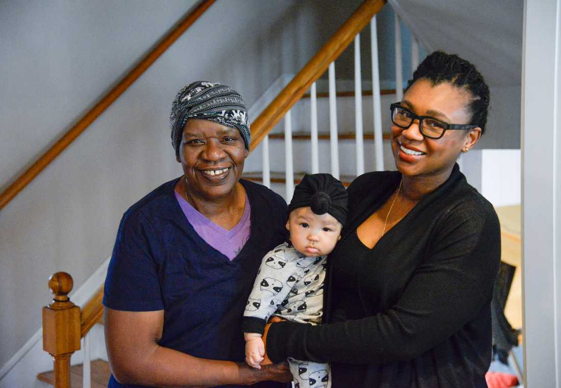Mickey Maki, 33, får hjälp av sin förtidspensionerade mor, Marguerita Millar, 60, med att ta hand om dottern Wyla. Marguerita Millar flyttade till USA från Barbados på 1970-talet och har arbetat som nanny i Texas och Ohio, men när hon blev änka flyttade hon efter sin dotter till Brockton, Massachusetts.