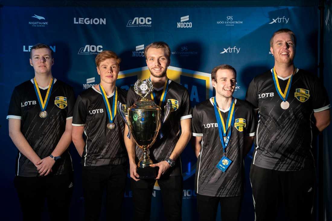 Förra året blev Monarchs – då; lotb – svenska mästare i elitserien.
