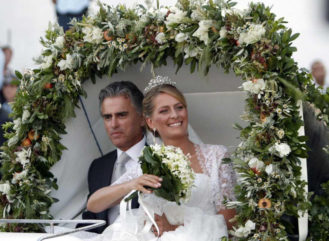 Bruden Tatiana Blatnik, 29, var klädd i en brudklänning designad av Angel Sanchez.