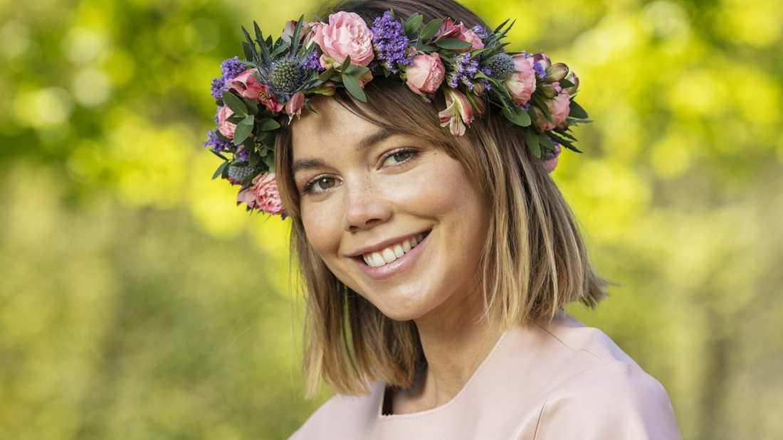 Skådespelaren och sommarvärden Hedda Stiernstedt.