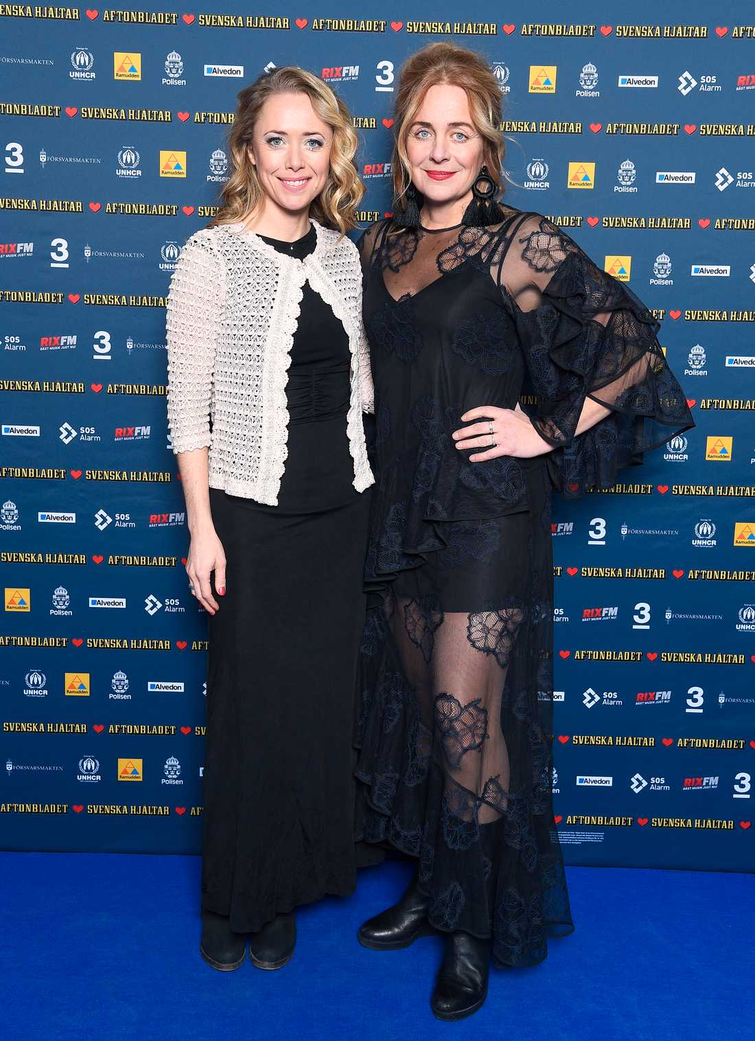 Skådespelerskan Lia Boysen tillsammans med sin syster Rakel Hatz.