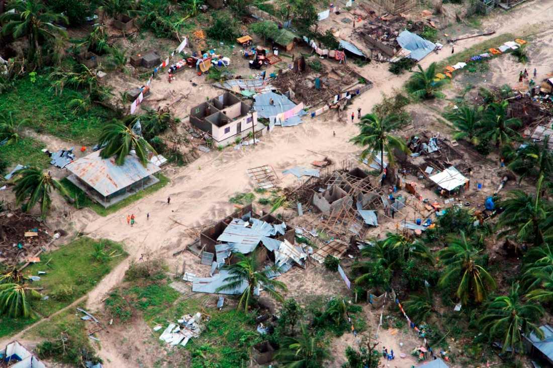 Cyklonen Kenneth slog in över Moçambique sent på torsdagskvällen.