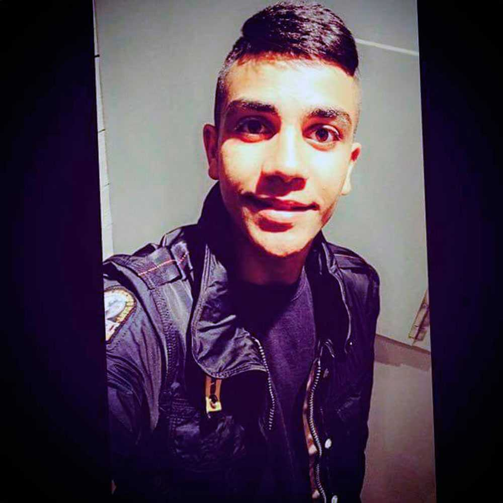 16-årige Ahmed sköts ihjäl vid en busshållplats.