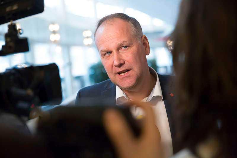 Jonas Sjöstedt svarar Annie Lööf om grön politik.