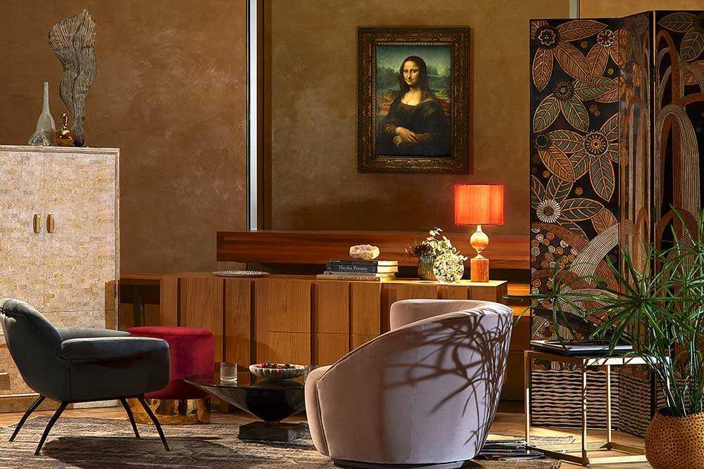 Skåla i bubbel med Mona Lisa på museet.