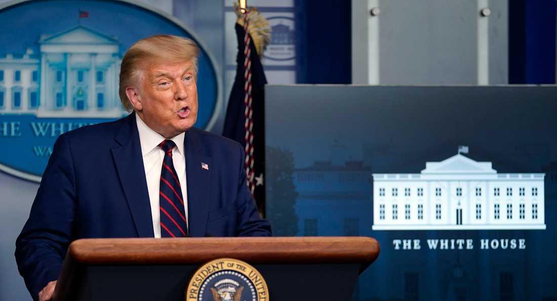 Presidentvalsdebatten i natt mellan Donald Trump och Joe Biden präglades av förolämpningar och avbrytningar från framför allt presidentens sida.